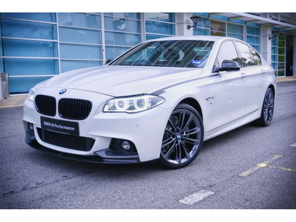 Накладка на передний бампер M-Performance Look от HD для BMW 5 F10 / F11