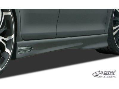 Накладки на пороги GT4 от RDX Racedesign на Fiat Punto III