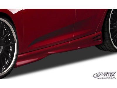 Накладки на пороги GT4 от RDX Racedesign на Ford Focus III