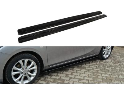 Накладки на пороги Var2 от Maxton Design для Mazda 3 Sport BL