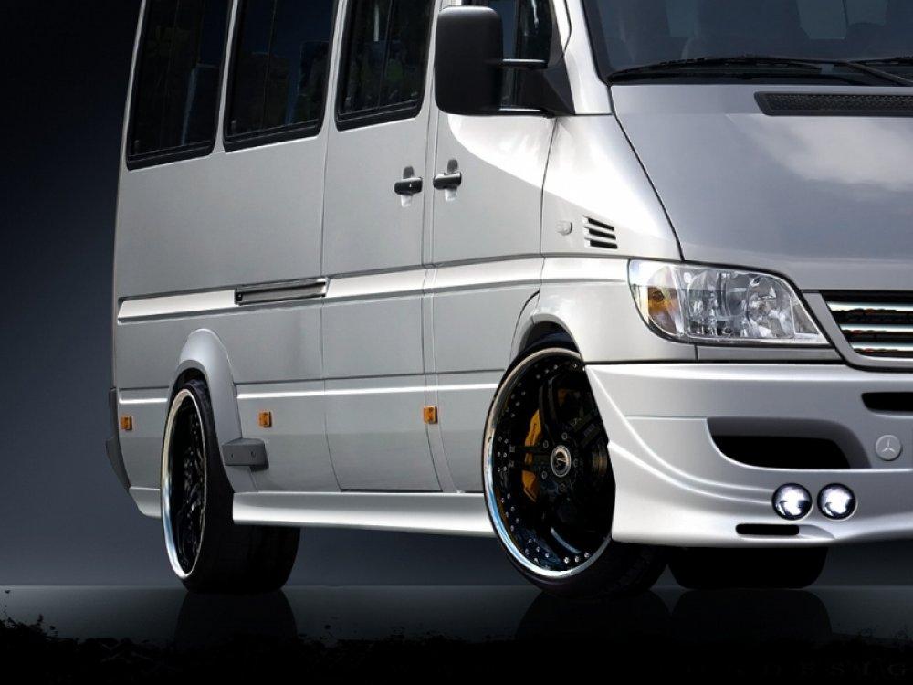 Накладки на пороги от Maxton Design на Mercedes Sprinter W903