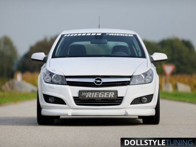 Накладка на передний бампер в стиле Rieger для Opel Astra H GTC