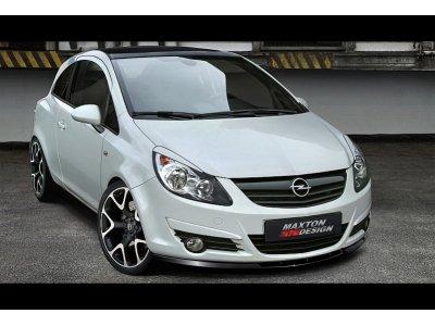 Накладка на передний бампер от Maxton Design на Opel Corsa D