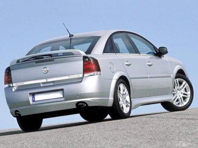 Спойлер на крышку багажника от Maxton Design на Opel Vectra C Hatchback