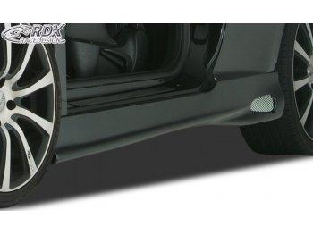 Накладки на пороги от RDX Racedesign GT4 ReverseType на Peugeot 207