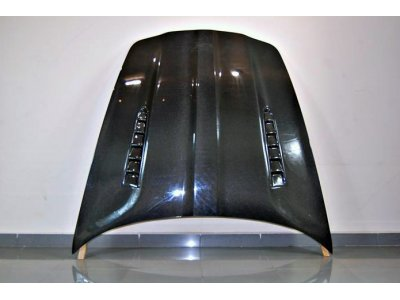Карбоновый капот от Eurolineas на Porsche Panamera