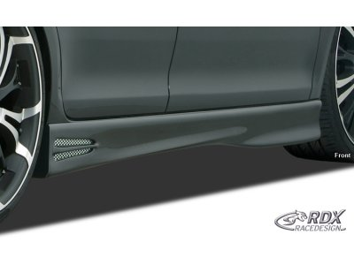 Накладки на пороги GT4 от RDX Racedesign на Skoda Fabia II
