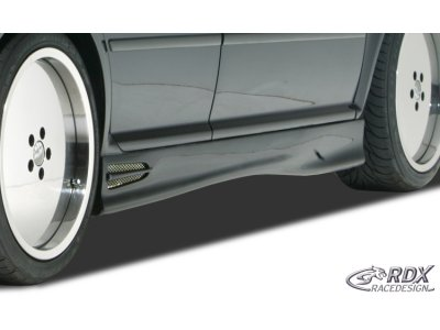 Накладки на пороги GT4 от RDX Racedesign на Volkswagen Golf IV