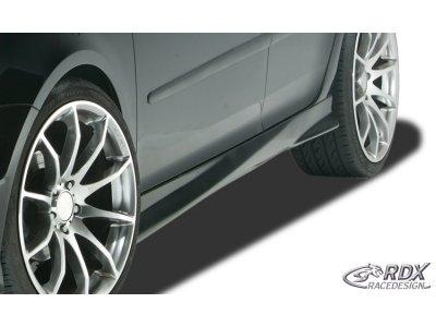 Накладки на пороги Turbo от RDX Racedesign на VW Golf Plus