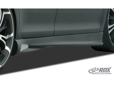 Накладки на пороги GT4  от RDX Racedesign на VW Passat B4