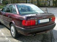 На Audi 80 B4 - задняя альтернативная оптика, фонари