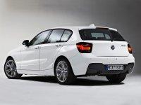 На BMW 1 F20 задняя альтернативная оптика, задние фонари