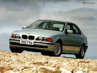 На BMW 5 E39 решётка радиатора