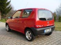 На Fiat Seicento задняя альтернативная оптика, фонари