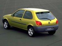 На Ford Fiesta MK4 задняя альтернативная оптика, фонари