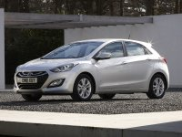 Тюнинг обвес на Hyundai i30 : накладка на передний и задний бампер, пороги.