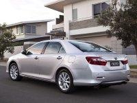 На Toyota Camry XV50 с 2011 года задняя альтернативная оптика и фонари