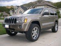 На Jeep Grand Cherokee WK купить передние альтернативные фары