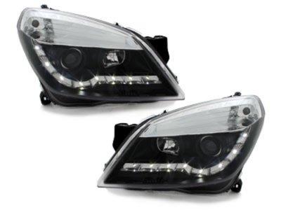 Передняя альтернативная оптика Dayline Black на Opel Astra H