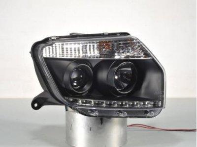 Фары передние Devil Eyes Black в стиле рестайла на Renault Duster