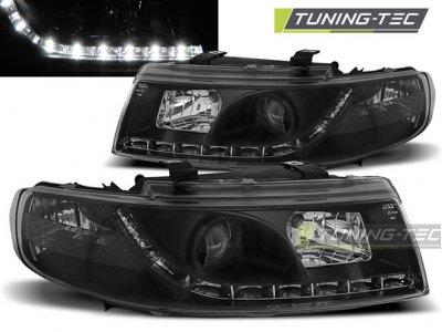 Передние фары Daylight Black от Tuning-Tec на Seat Leon 1M