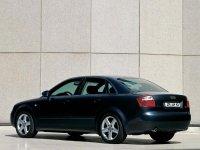 На Audi A4 B6 с 2001 по 2004 г.в. задняя альтернативная оптика, фонари
