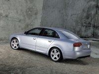 Audi A4 B7 - задняя альтернативная оптика, фонари