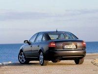 На Audi A6 C5 - задняя альтернативная оптика, фонари