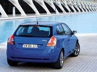 На Fiat Stilo 3D - задняя альтернативная оптика, фонари