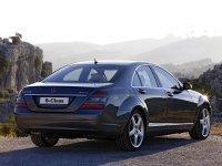 На Mercedes S класс W221 - задняя альтернативная оптика, фонари